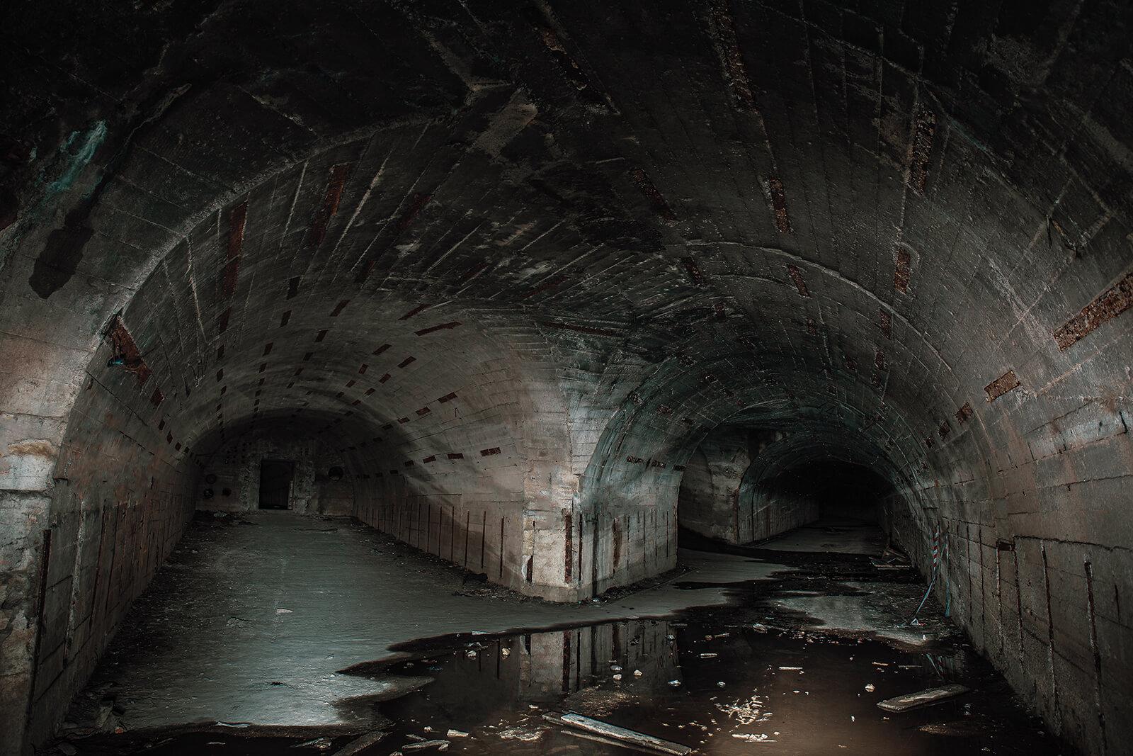 metro downfall dunkler tunnel 2