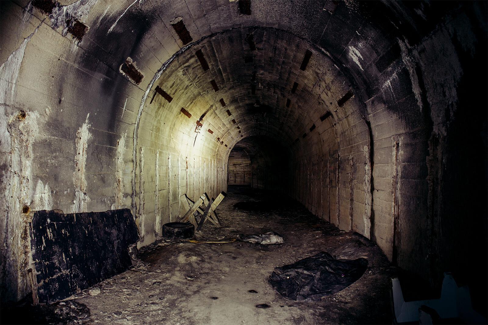 metro downfall dunkler tunnel